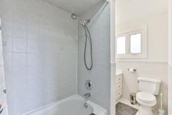 4 Piece Ensuite Bathroom at 111 Bannatyne Drive, St. Andrew-Windfields, Toronto