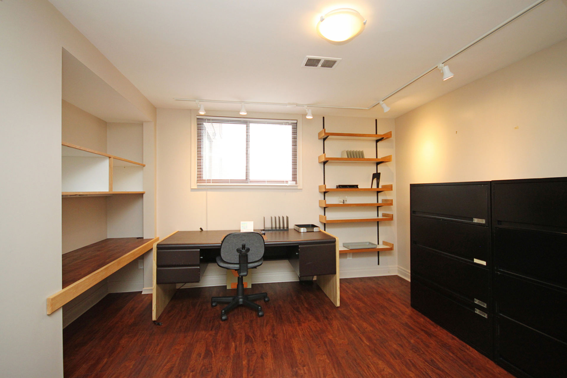 Den at 16 Bradgate Road, Banbury-Don Mills, Toronto