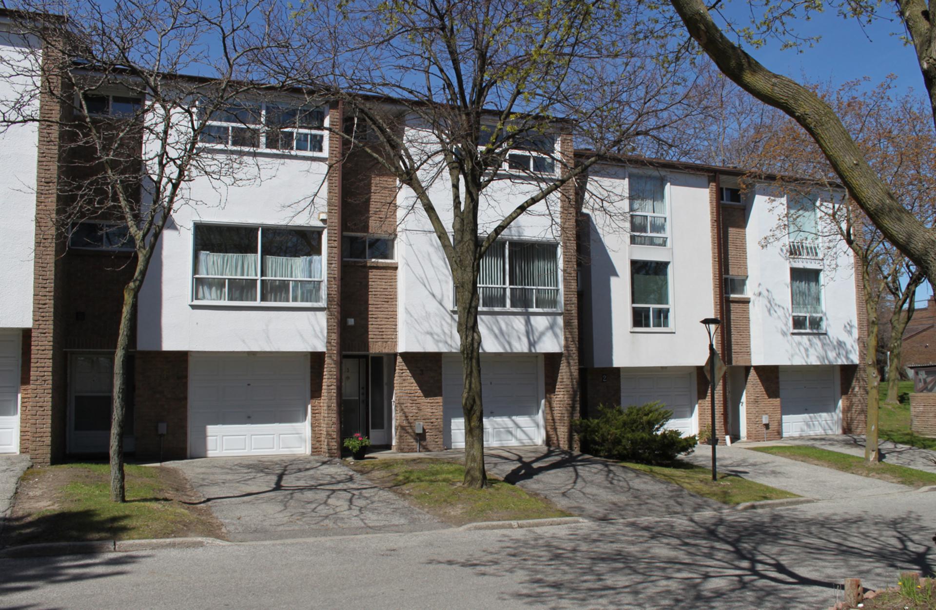 Front at 3 - 3409 St. Clair Avenue E, Clairlea-Birchmount, Toronto