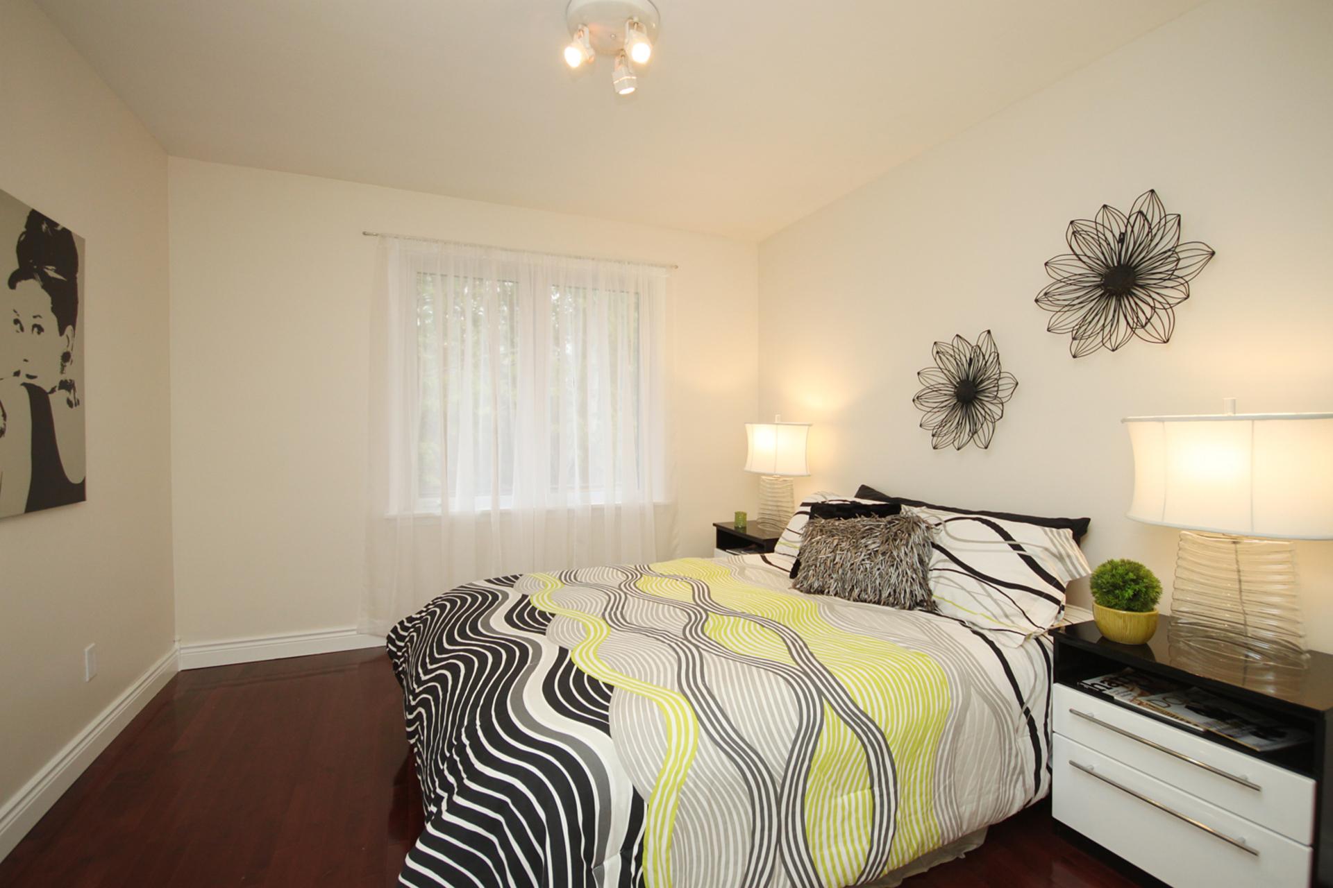 Bedroom at 10 Fairhill Crescent, Parkwoods-Donalda, Toronto