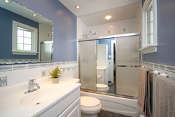 4 Piece Ensuite Bathroom at 8 Butterfield Drive, Parkwoods-Donalda, Toronto