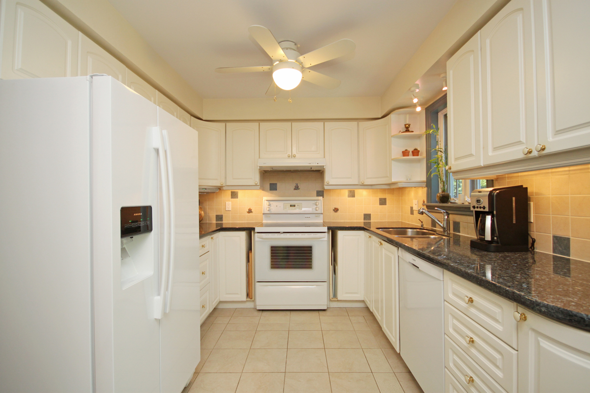 Kitchen at 8 Butterfield Drive, Parkwoods-Donalda, Toronto