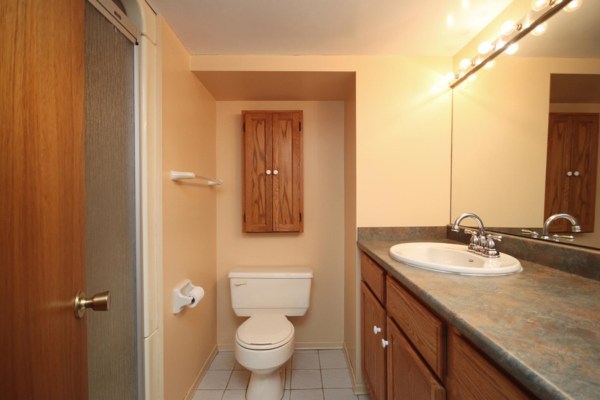 3 Piece Bathroom at 31 Groveland Crescent, Parkwoods-Donalda, Toronto