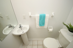 2 Piece Bathroom at 1016 - 5 Everson Drive, Willowdale East, Toronto