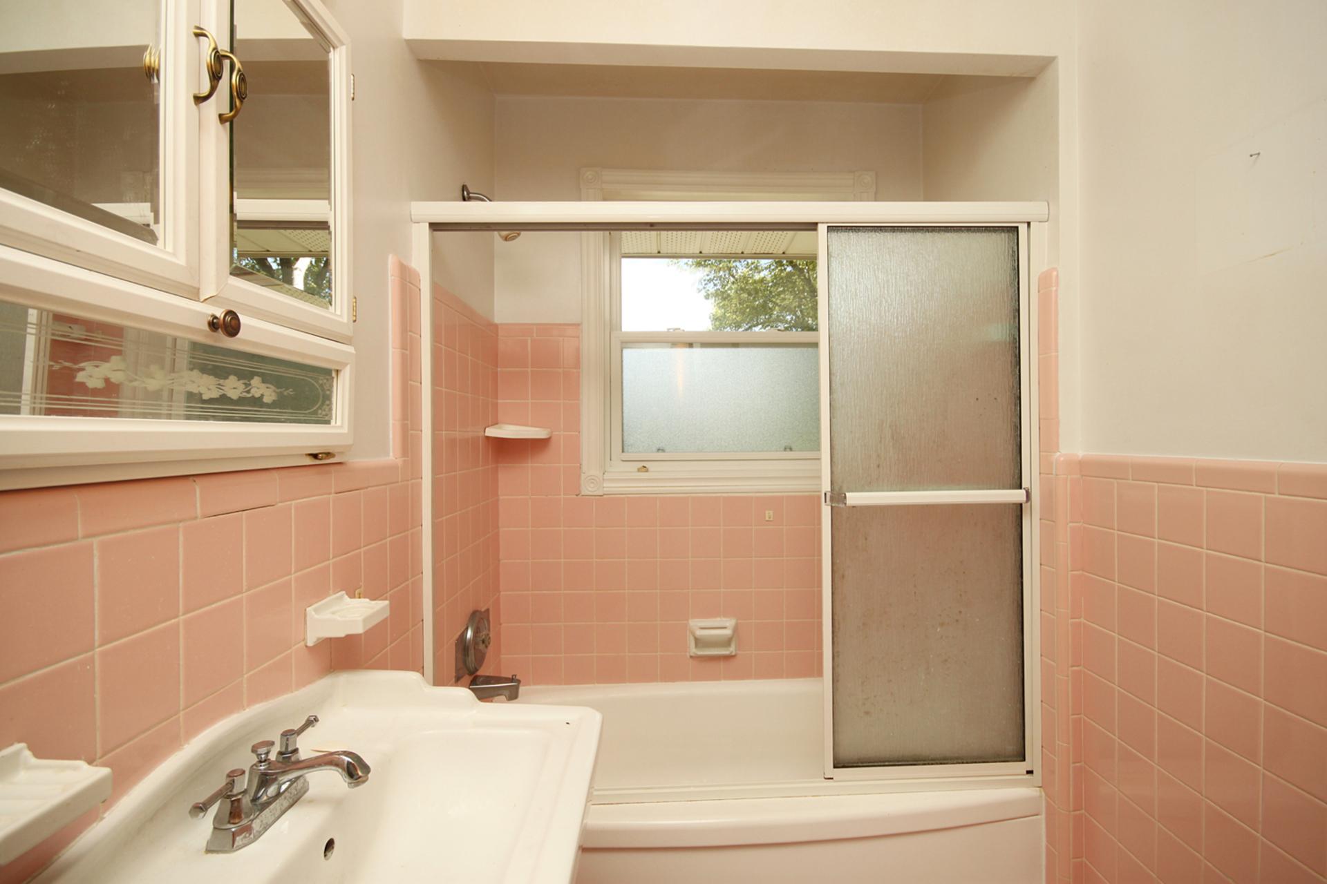 4 Piece Bathroom at 145 Sloane Avenue, Victoria Village, Toronto