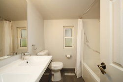 4 Piece Bathroom at 7 Highbrook Drive, Bendale, Toronto