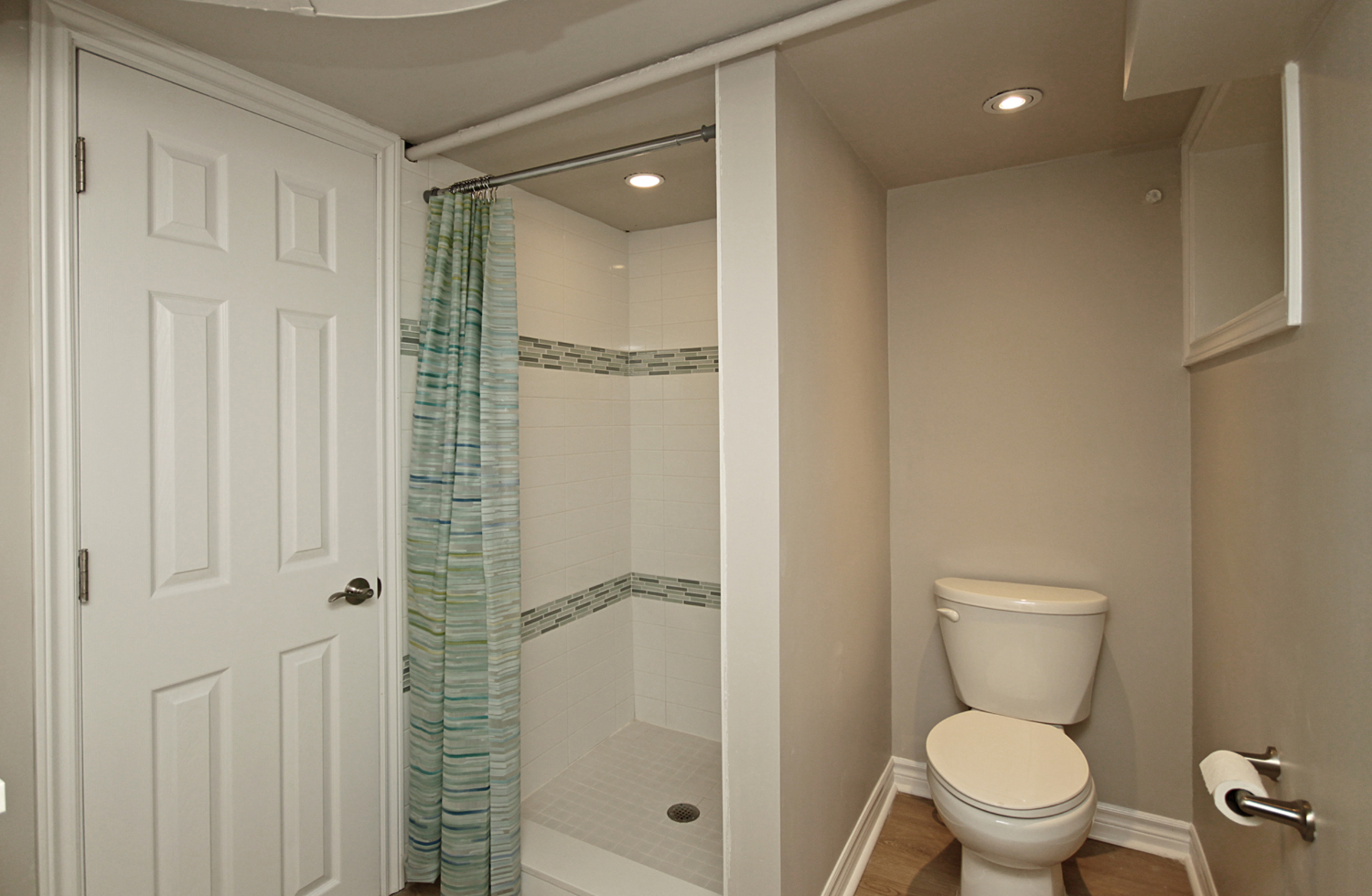 3 Piece Bathroom at 7 Highbrook Drive, Bendale, Toronto