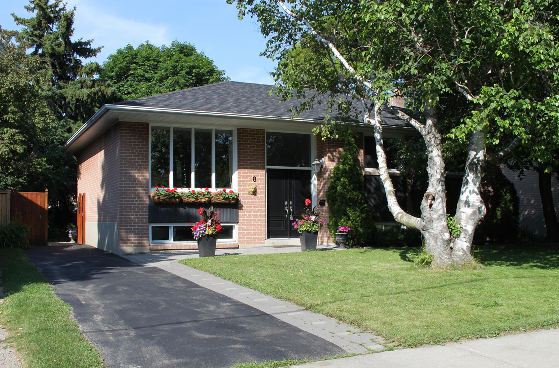 Front at 8 Dukinfield Crescent, Parkwoods-Donalda, Toronto