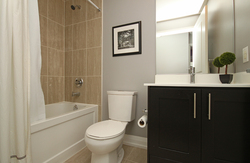 3 Piece Ensuite Bathroom at 405 - 85 The Donway W, Banbury-Don Mills, Toronto