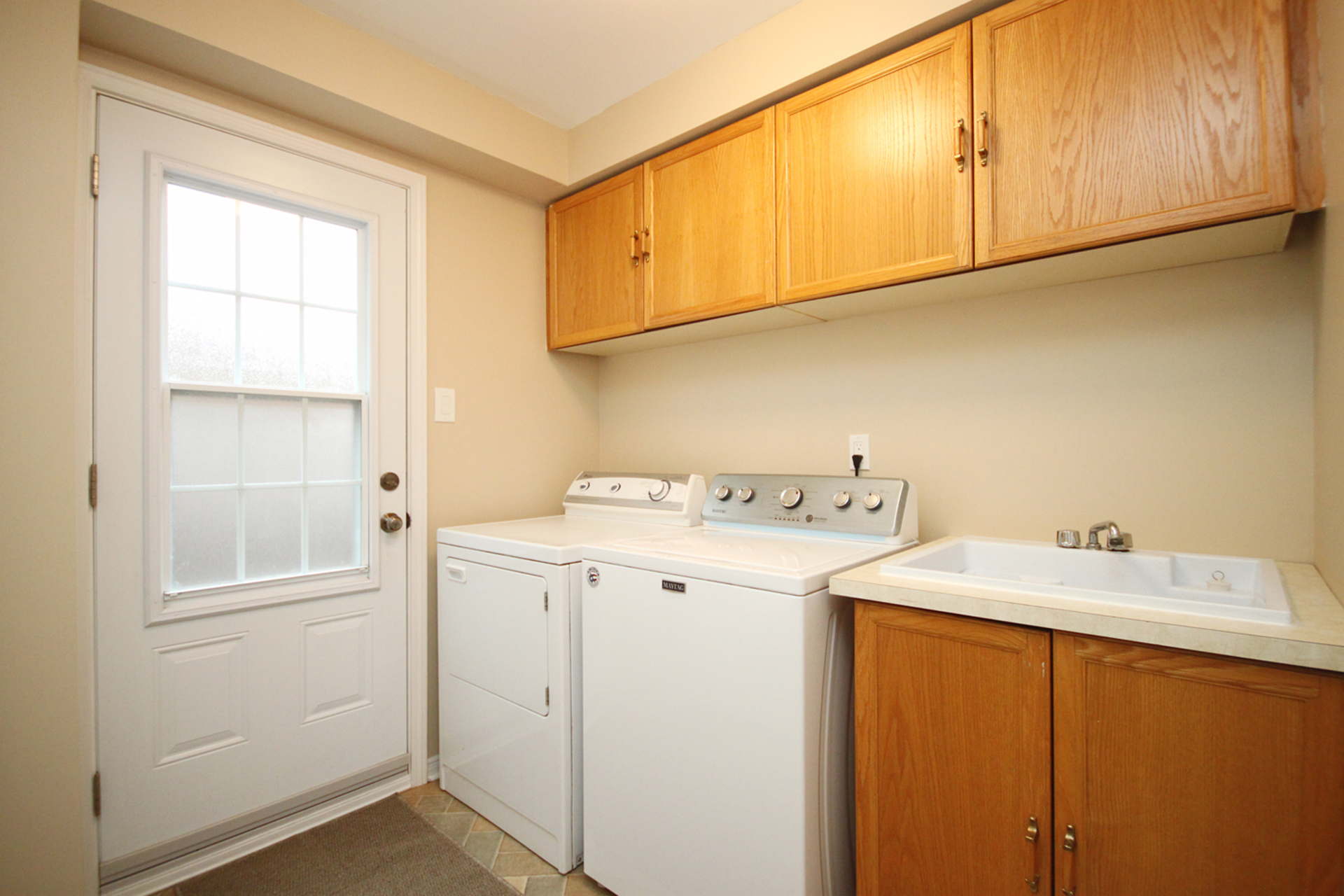 Laundry Room at 1182 Maple Gate Road, Liverpool, Pickering