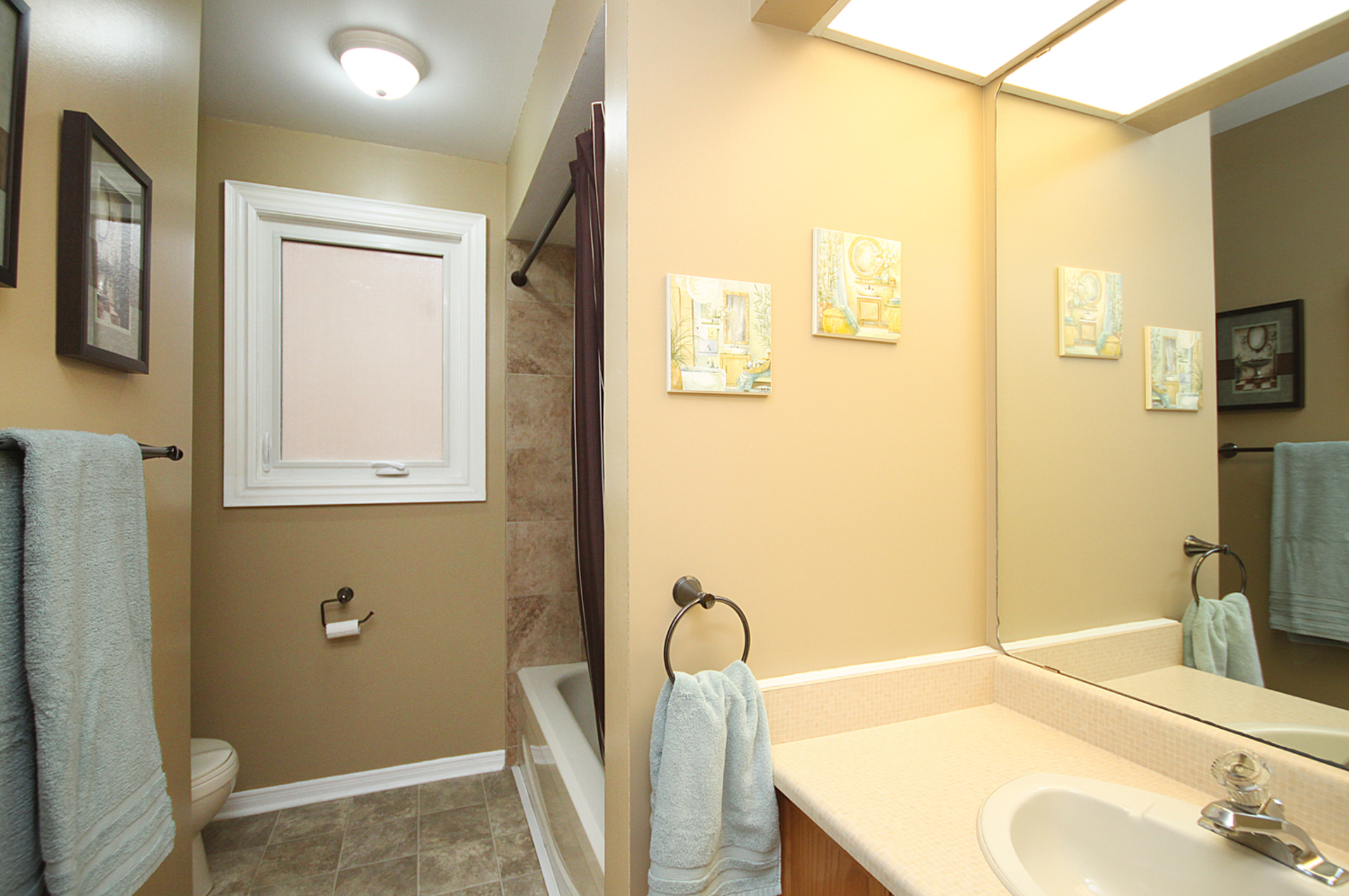 4 Piece Bathroom at 1182 Maple Gate Road, Liverpool, Pickering
