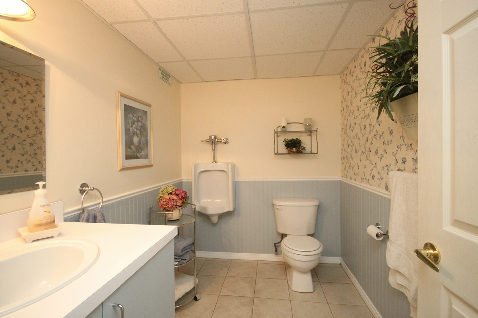 3 Piece Bathroom at 1182 Maple Gate Road, Liverpool, Pickering