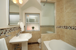 4 Piece Bathroom at 264 Spring Garden Avenue, Willowdale East, Toronto