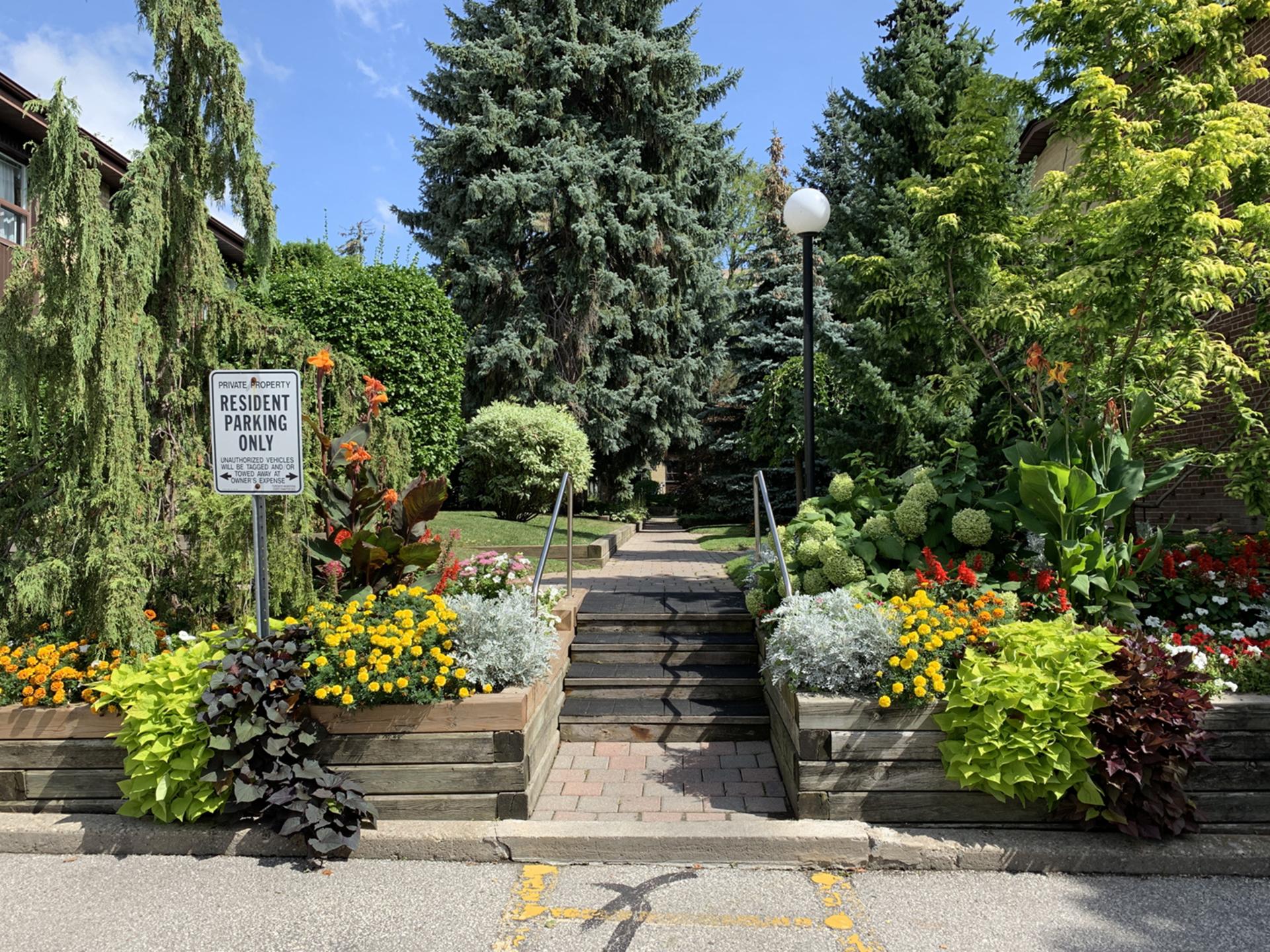 Walkway to Courtyard at 3 - 54 Three Valleys Drive, Parkwoods-Donalda, Toronto