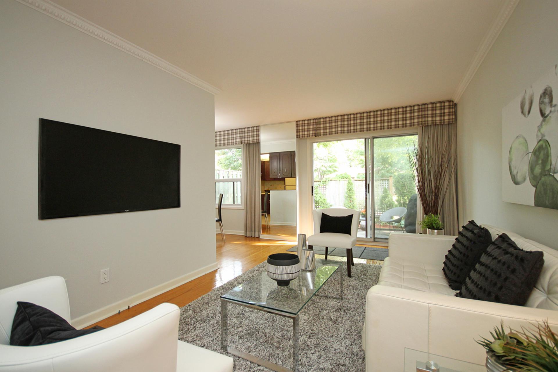 Living Room at 3 - 54 Three Valleys Drive, Parkwoods-Donalda, Toronto