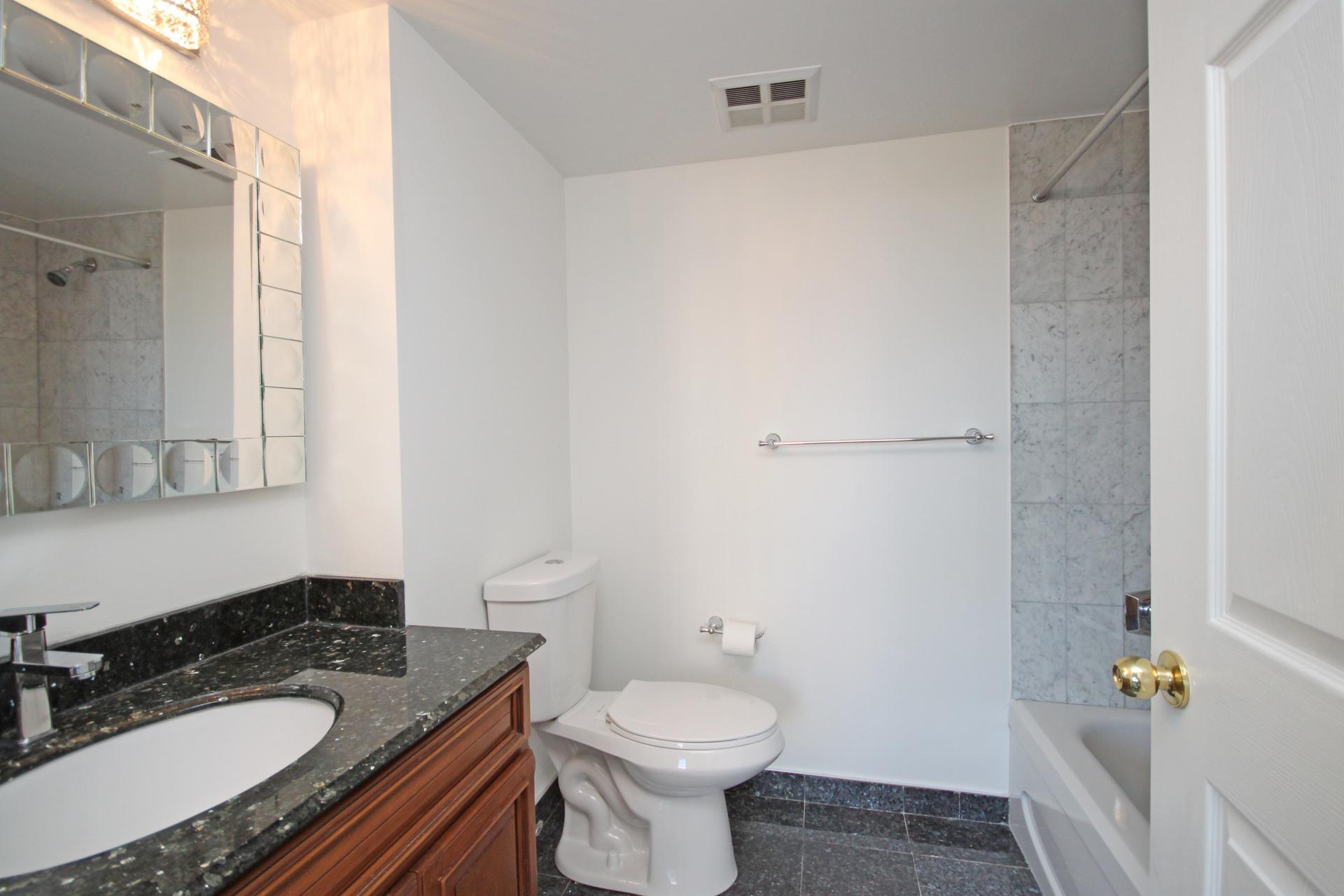 4 Piece Bathroom at 309 - 7 Concorde Place, Banbury-Don Mills, Toronto