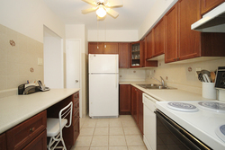 Kitchen at 1704 - 1350 York Mills Road, Parkwoods-Donalda, Toronto