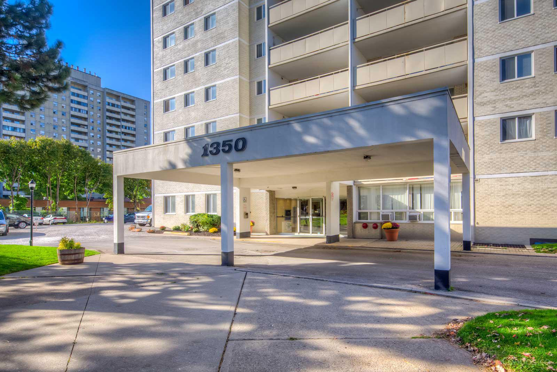 Front at 1704 - 1350 York Mills Road, Parkwoods-Donalda, Toronto