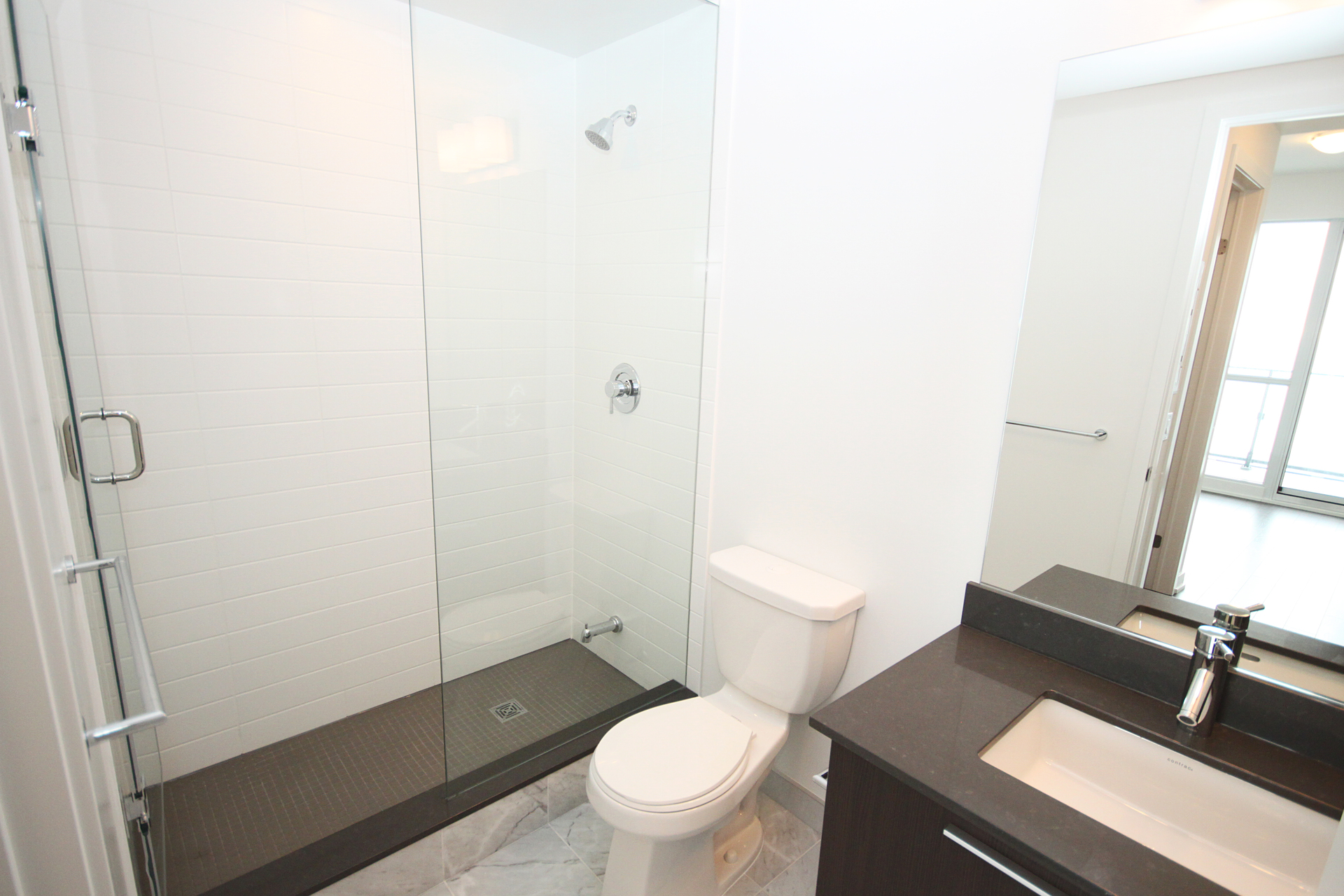 3 Piece Ensuite Bathroom at 4009 - 10 Park Lawn Road, Mimico, Toronto