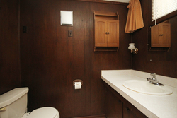 3 Piece Ensuite Bathroom at 6 Redwillow Drive, Parkwoods-Donalda, Toronto