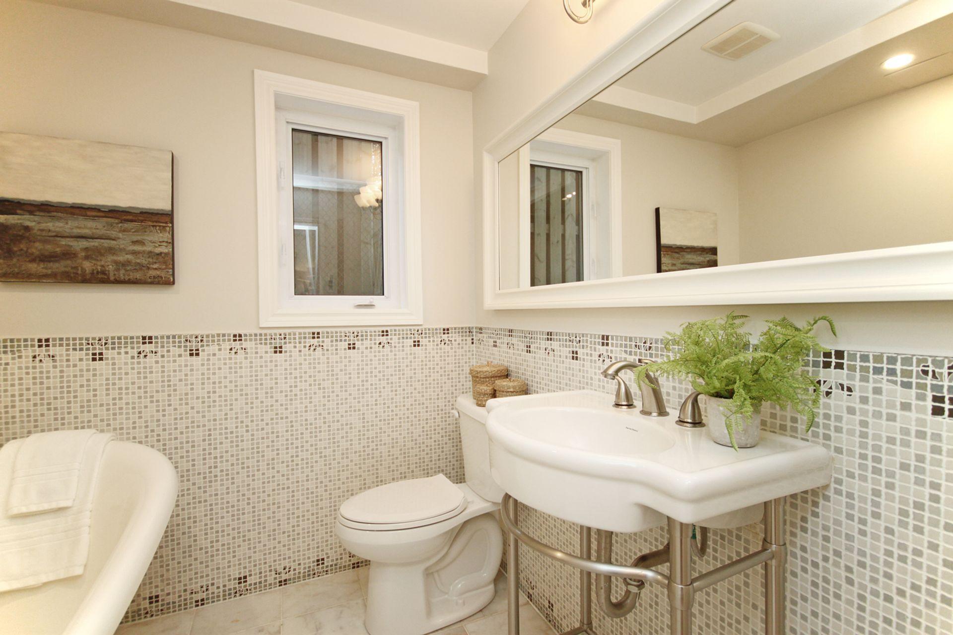 3 Piece Bathroom at 21 Kestell Lane, Parkwoods-Donalda, Toronto