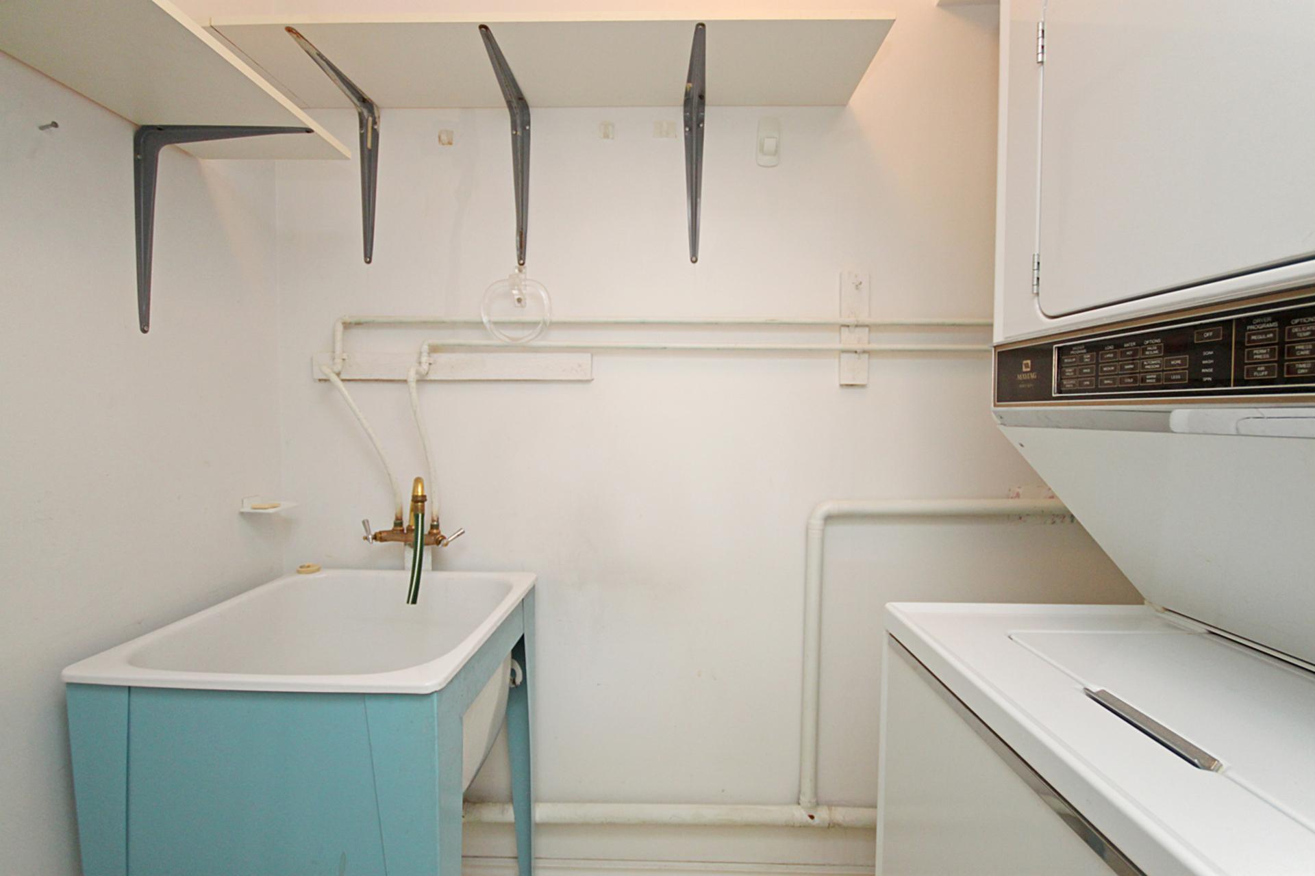 Laundry Room at 519 - 1200 Don Mills Road, Banbury-Don Mills, Toronto