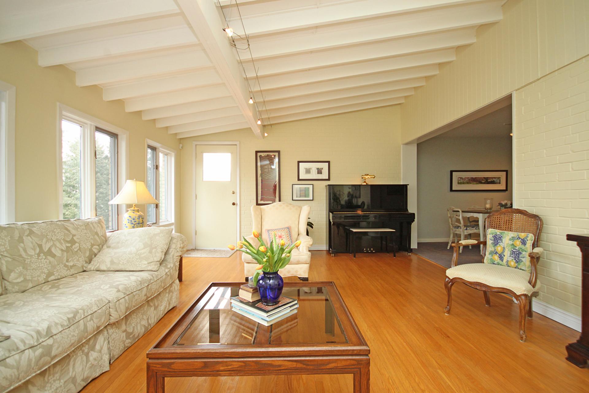 Great Room at 10 North Hills Terrace, Banbury-Don Mills, Toronto