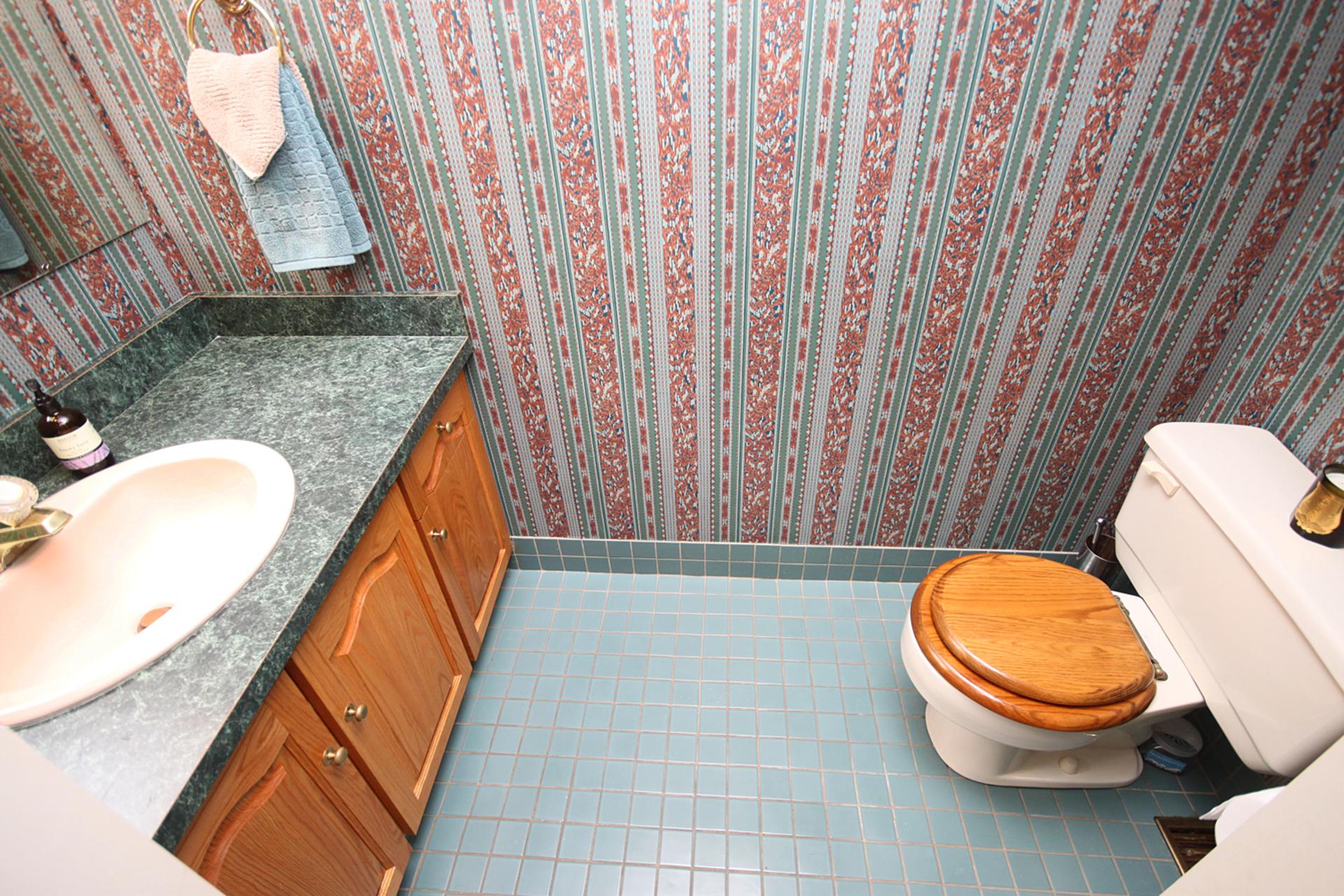 2 Piece Bathroom at 10 North Hills Terrace, Banbury-Don Mills, Toronto