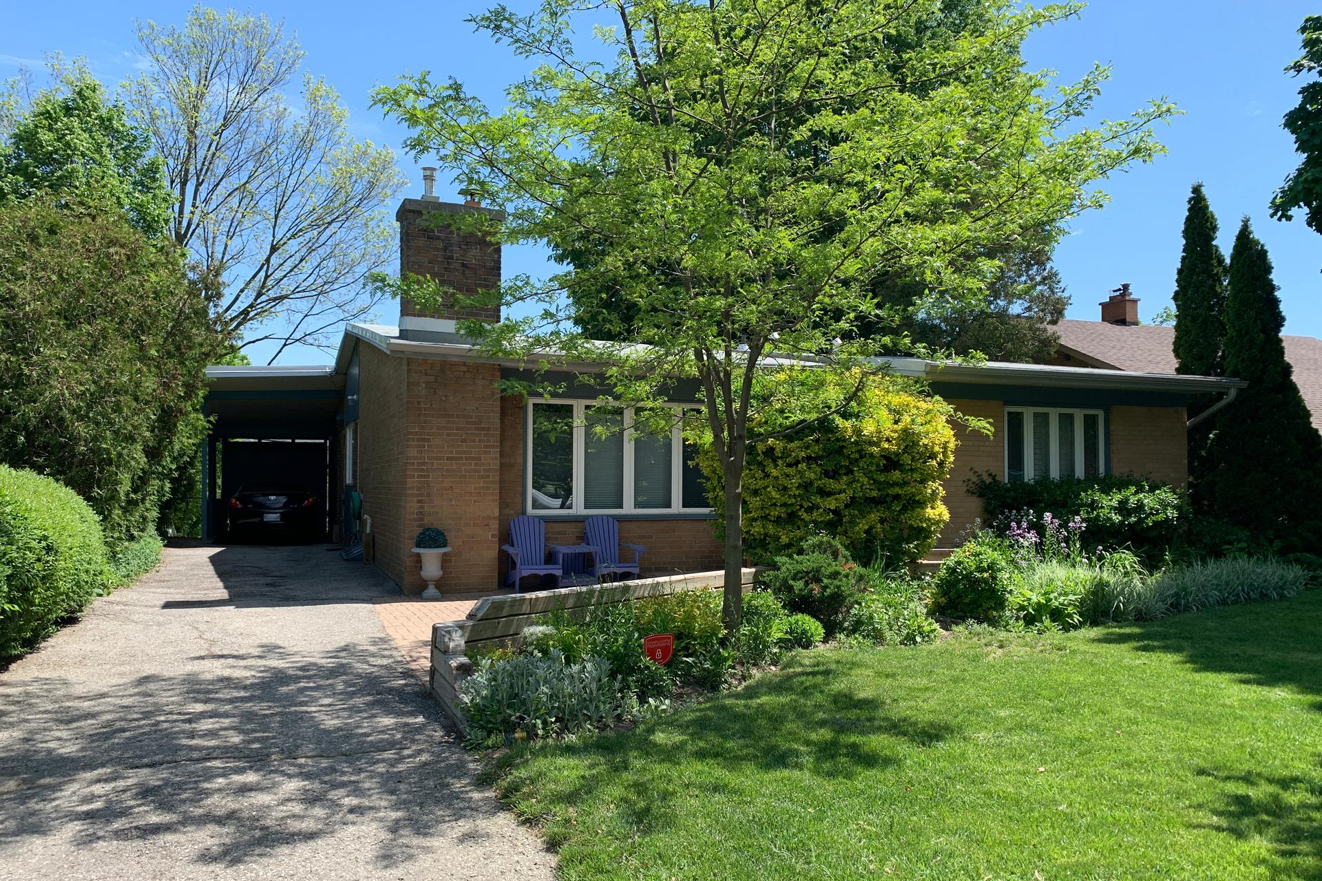 Front at 10 North Hills Terrace, Banbury-Don Mills, Toronto