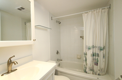 4 Piece bathroom at 1002 - 205 Wynford Drive, Banbury-Don Mills, Toronto