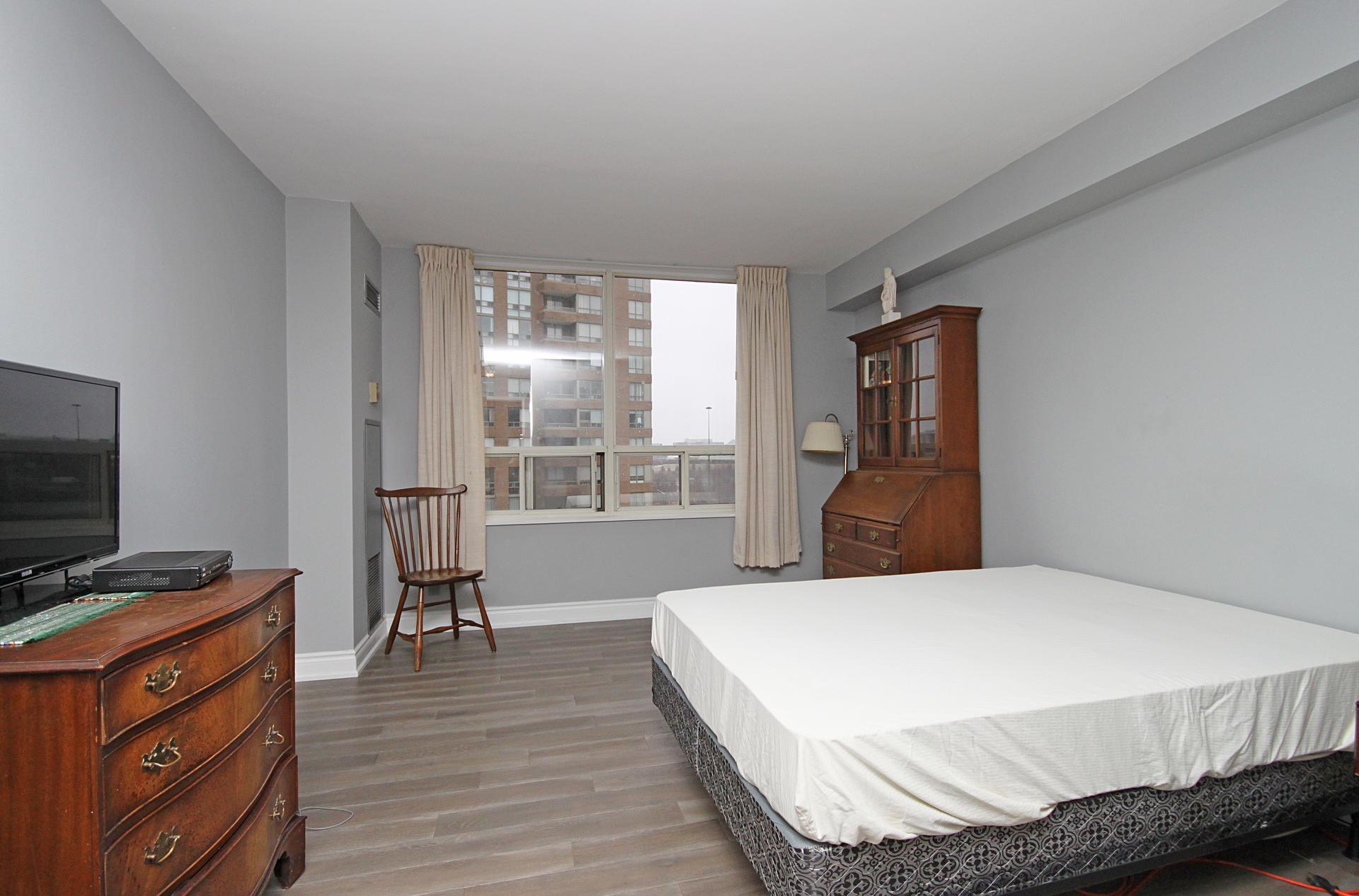 Master Bedroom at 1002 - 205 Wynford Drive, Banbury-Don Mills, Toronto