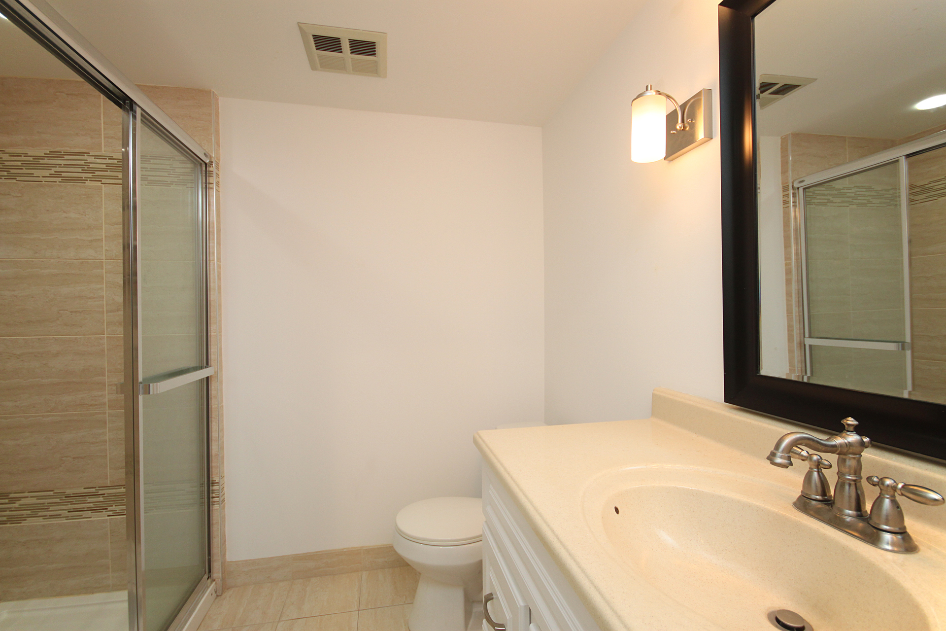 3 Piece Ensuite Bathroom at 1002 - 205 Wynford Drive, Banbury-Don Mills, Toronto