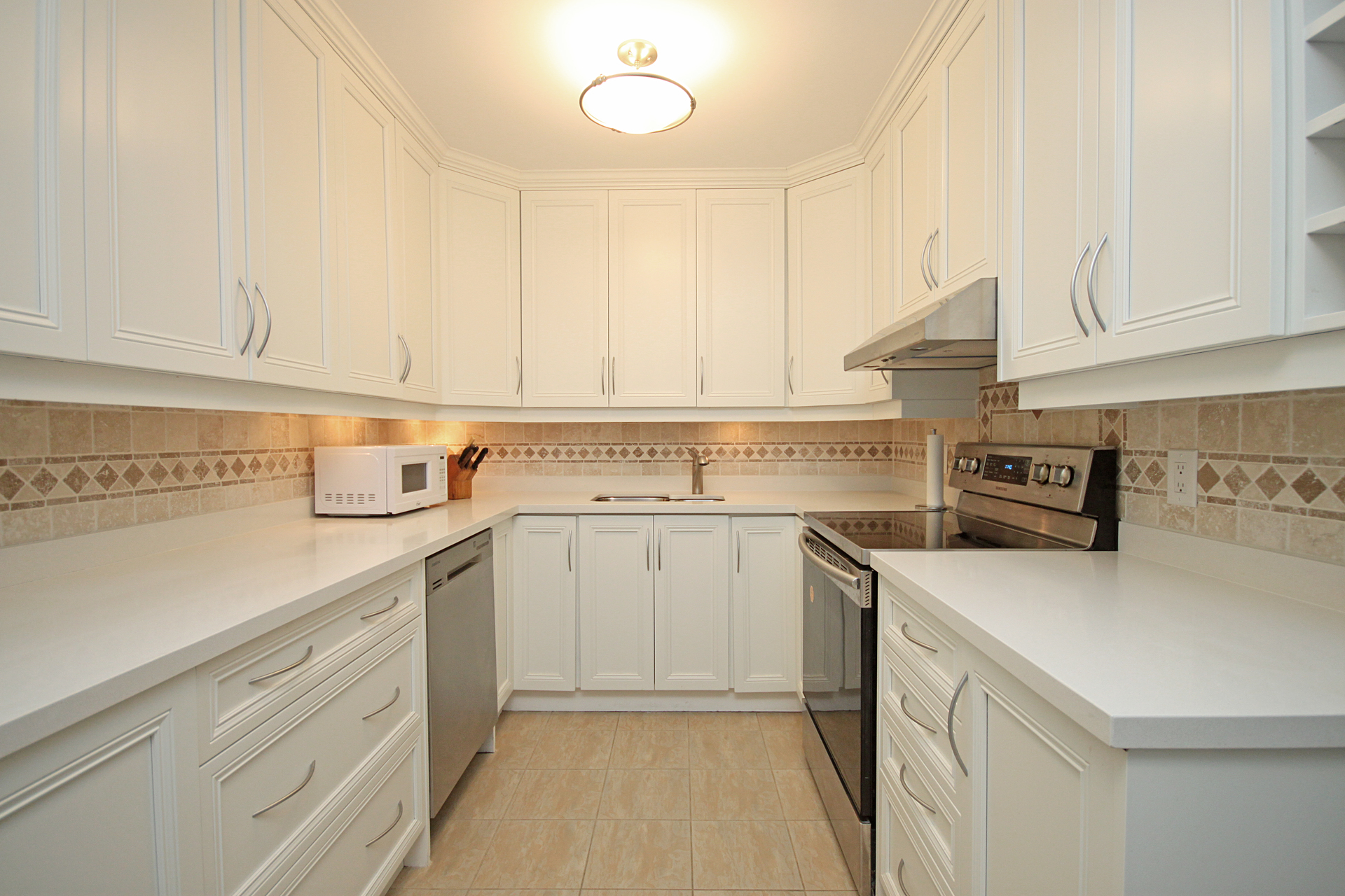 Kitchen at 1002 - 205 Wynford Drive, Banbury-Don Mills, Toronto