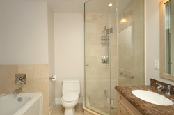 5 Piece Ensuite Bathroom at 302 - 20 Burkebrook Place, Bridle Path-Sunnybrook-York Mills, Toronto