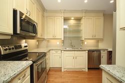 Living Room at 302 - 20 Burkebrook Place, Bridle Path-Sunnybrook-York Mills, Toronto