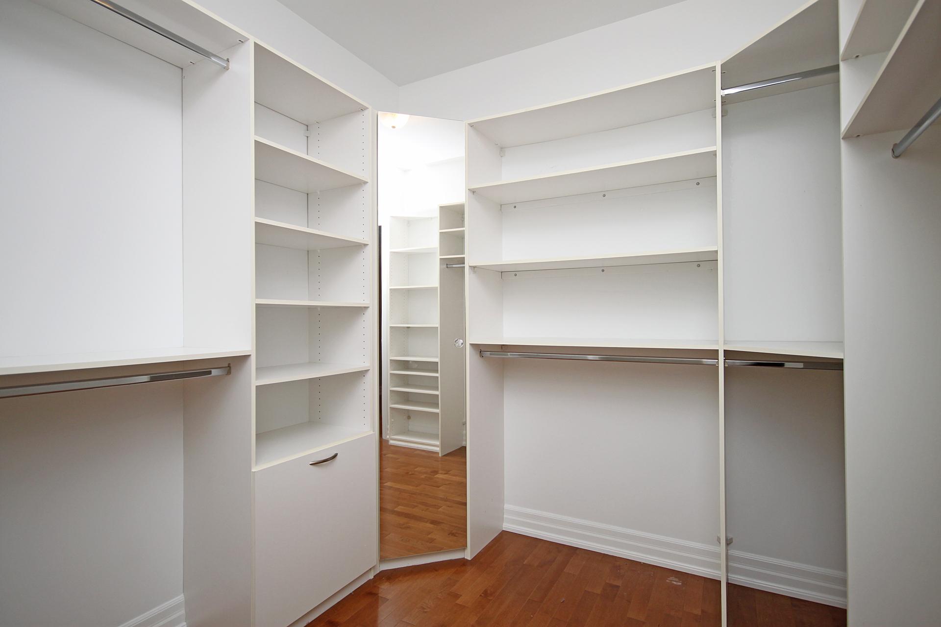 Primary Bedroom Walk-in Closet at 302 - 20 Burkebrook Place, Bridle Path-Sunnybrook-York Mills, Toronto