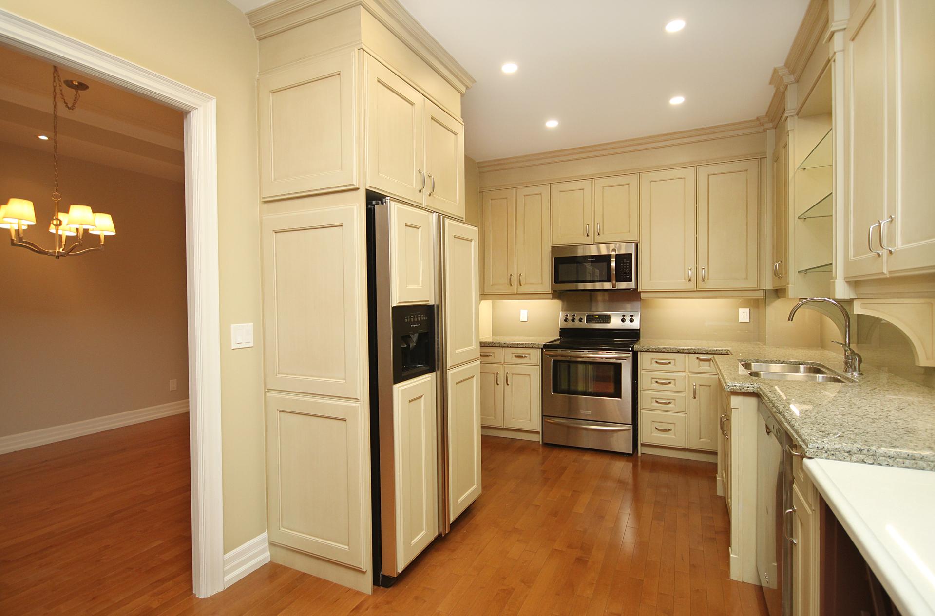 Kitchen at 302 - 20 Burkebrook Place, Bridle Path-Sunnybrook-York Mills, Toronto