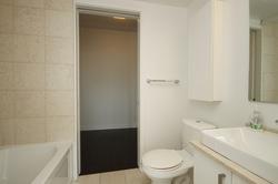 4 Piece Bathroom at 4609 - 12 York Street, Waterfront Communities C1, Toronto