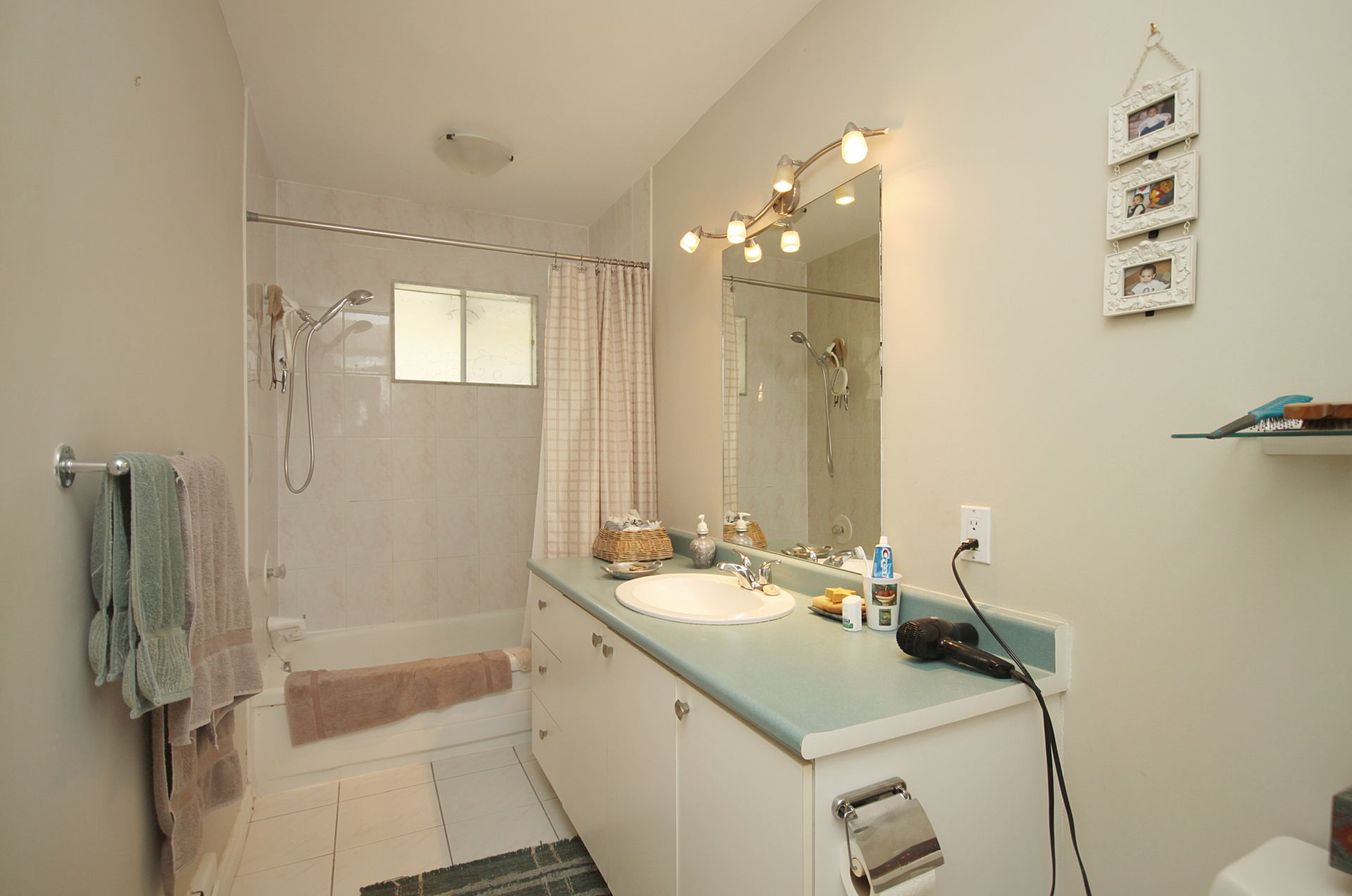 Bedroom at 103 Laurentide Drive, Parkwoods-Donalda, Toronto