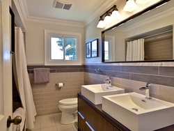 5 Piece Bathroom at 21 Deerpath Road, Parkwoods-Donalda, Toronto