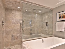 4 Piece Bathroom at 21 Deerpath Road, Parkwoods-Donalda, Toronto
