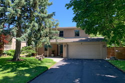 Front at 5 Whitefriars Drive, Parkwoods-Donalda, Toronto