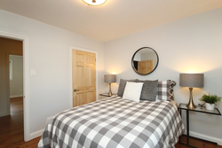 Bedroom at 5 Whitefriars Drive, Parkwoods-Donalda, Toronto