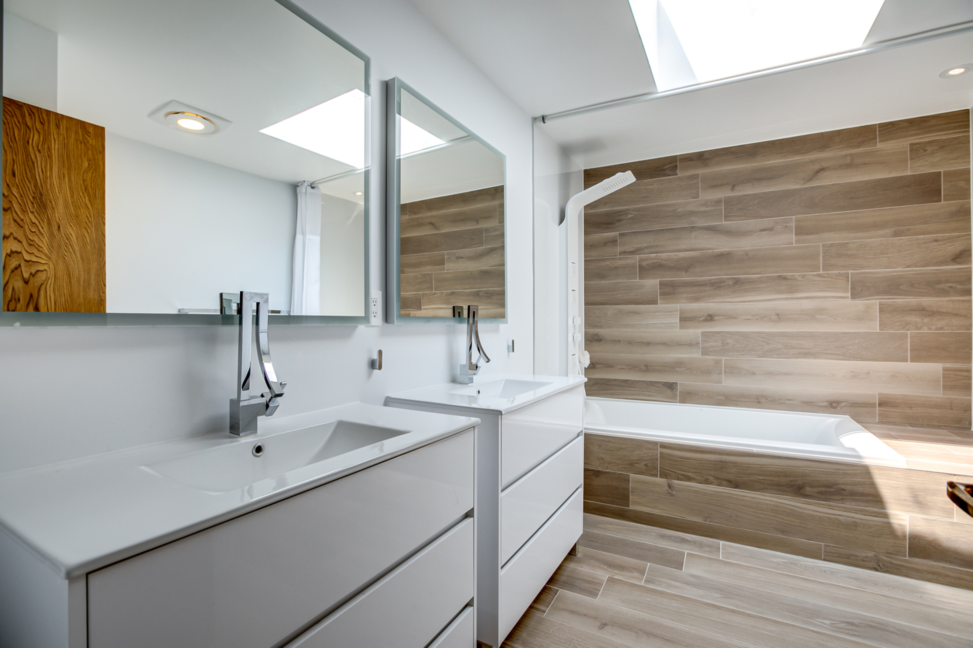 5 Piece Bathroom at 97 Denlow Boulevard, Banbury-Don Mills, Toronto