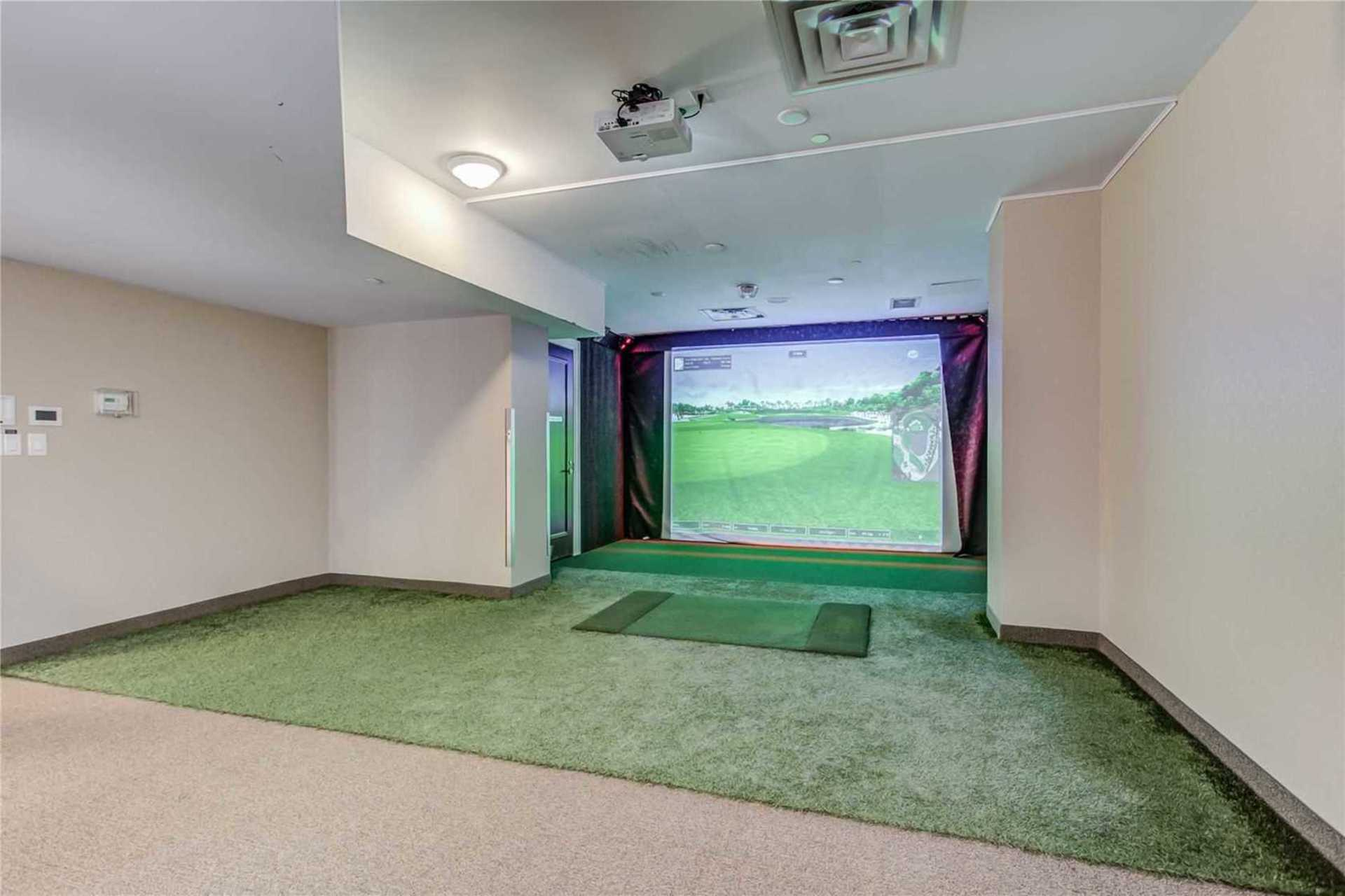 Golf Simulator at 1209 - 10 Bloorview Place, Don Valley Village, Toronto