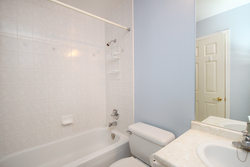 4 Piece Ensuite Bathroom at 310 - 600 Eglinton Avenue E, Mount Pleasant East, Toronto