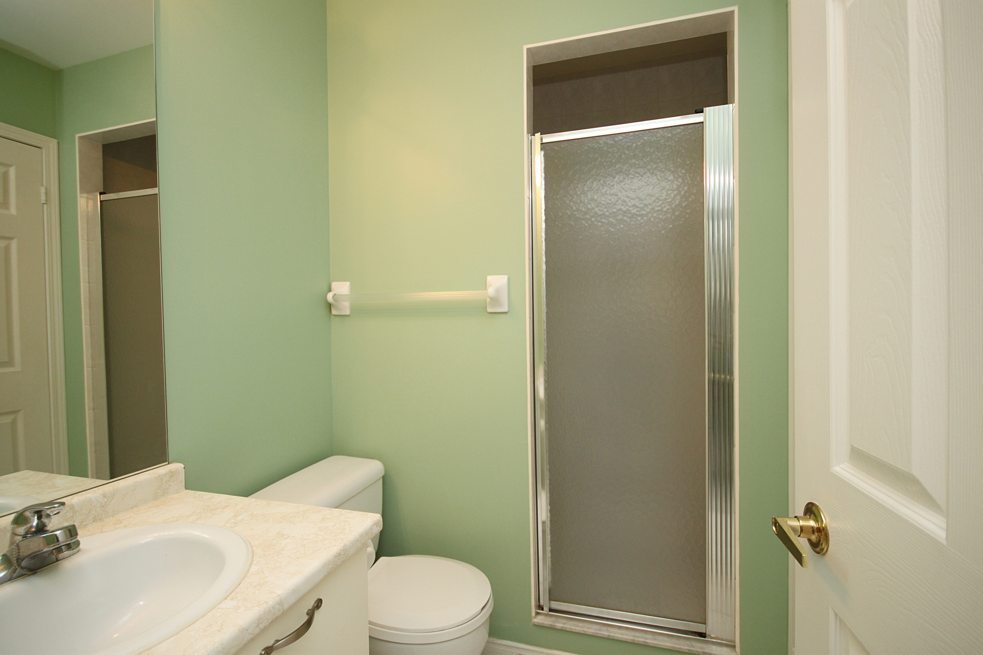 3 Piece Ensuite Bathroom at 310 - 600 Eglinton Avenue E, Mount Pleasant East, Toronto