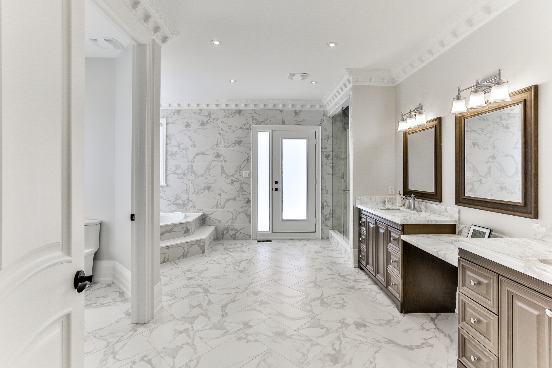 6 Piece Ensuite at 96 Northdale Road, St. Andrew-Windfields, Toronto