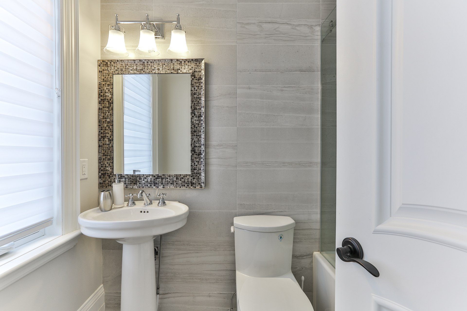 4 Piece Ensuite at 96 Northdale Road, St. Andrew-Windfields, Toronto