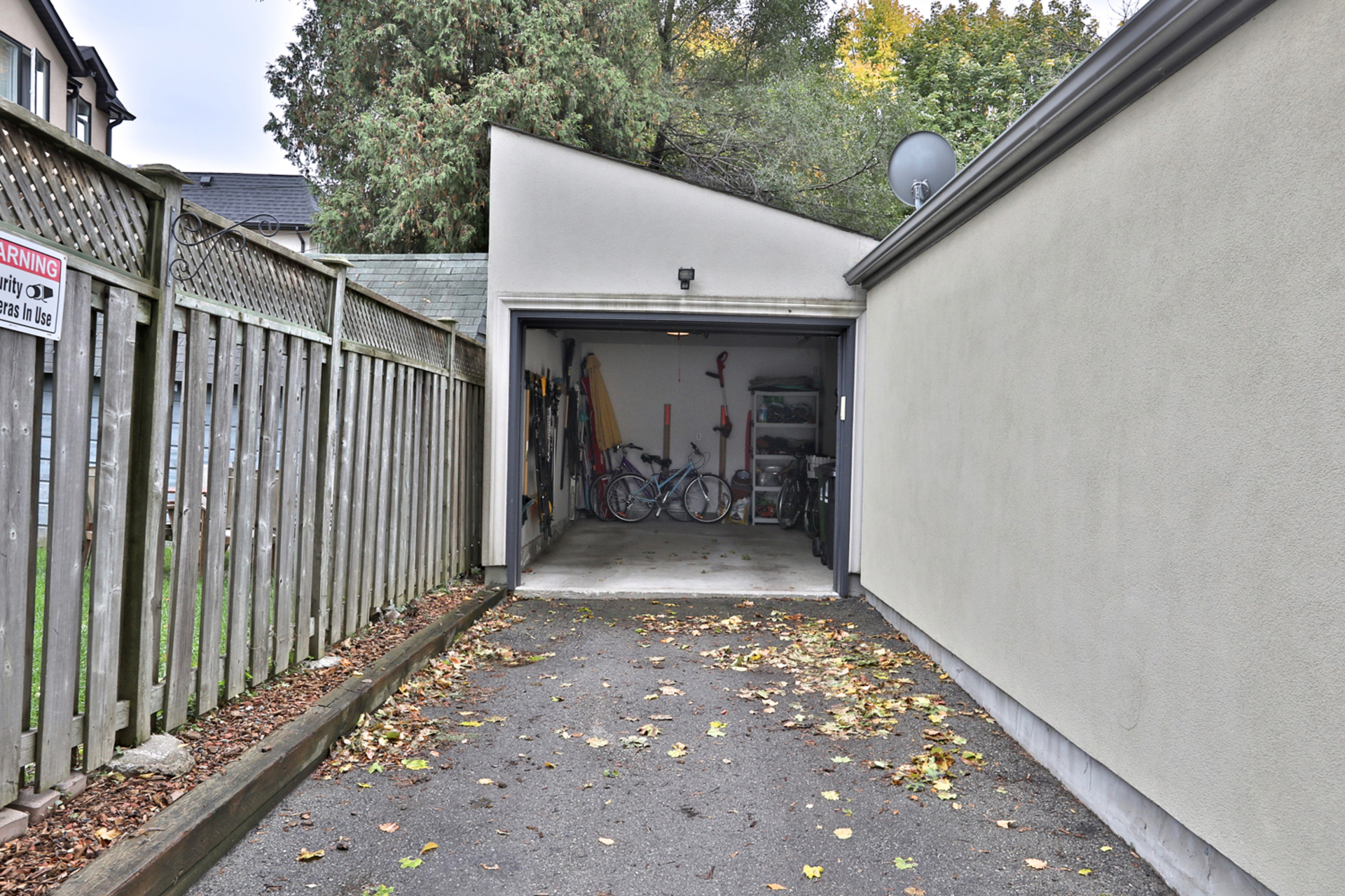 Garage at 75 Jedburgh Road, Lawrence Park North, Toronto